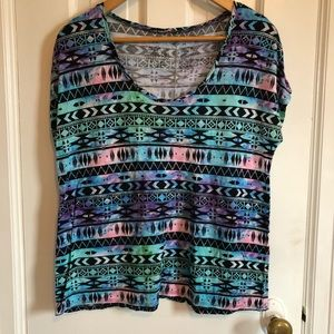 Colorful patterned tee